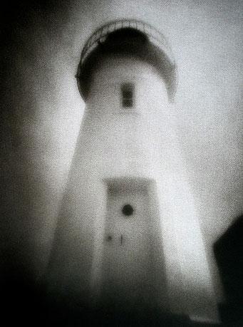 Sauzon, le Phare,  2005, bichromie, procédé FRESSON, Format image 30 x 40 cm, sous passe-partout au format 50 x 60 cm, numéro 1/5