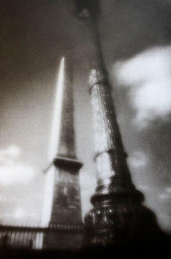 L'obélisque de Louxor, 2006, tirage procédé FRESSON, bichromie, Numéro 1/5, format image 30x40 cm. © Annick Maroussy