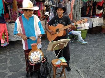 Musicos en Tepoztlan, Mor