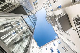 Hausansicht, rekonstruierter Altbau in Berlin Charlottenburg