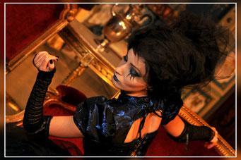 Valentina C. Foto per Gothic Time.com II SERIE 1