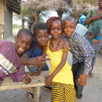 Schulkinder von Taayaki