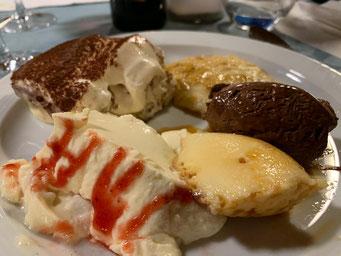 reichhaltiges Dessertbuffet