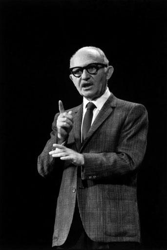 Lee Strasberg, 1966