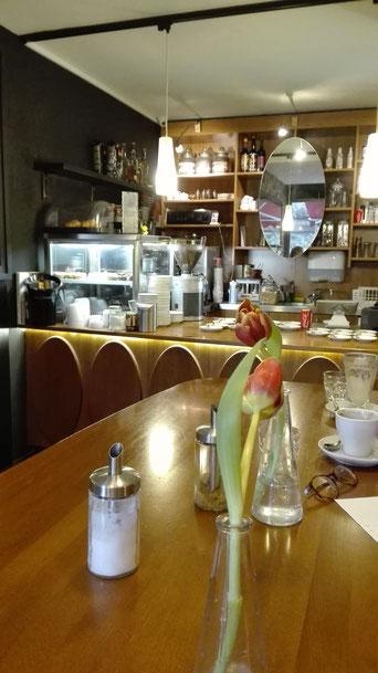 Interior Einrichtung Bermuda Café Freiburg