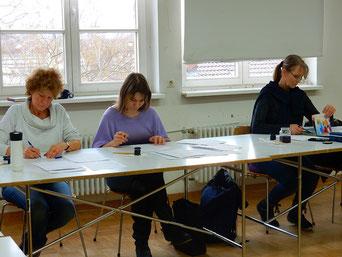 Kalligrafieren, das ist meditatives Schreiben, das den Kopf frei macht