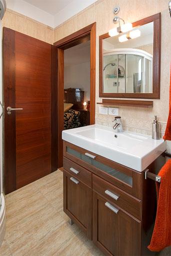 Moderner Waschtisch 2. Schlafzimmer