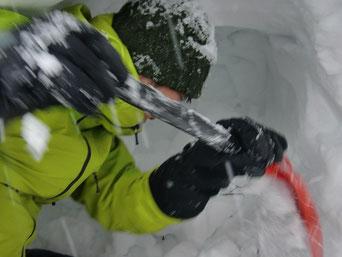 雪洞だぜ!(K本)