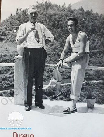Paul CONDRILLIER et son père 'Vers 1944) à la maison de famille de la vallée de l'Estéron, non loin du Broc ou il fut engagé par le Lieutenant RIDDLE.