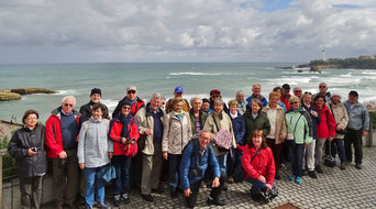 Die Kulturreise 2017 ging nach Aquitanien, der südwetlichsten Regin in Frankreich. Gruppenfoto an der Atlantikküste bei Biarritz.