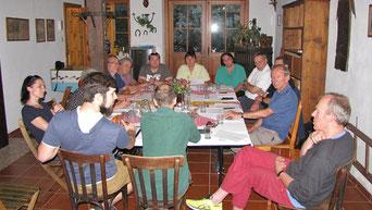 In der letzten Sitzung wurden noch wichtige Punkte und Termine für das nächste Arbeitsjahr besprochen, bevor es in die Sommerpause ging. Danach gab es bei Familie Lackermayer einen gemütlichen Ausklang.