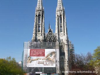 Von September bis Dezember kann man in der Votivkirche die Werke Michelangelo's aus der Sixtinsichen Kapelle bewundern.