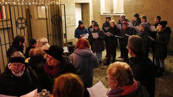 Am ersten Adventsamstag unterhielt der Quo-Vadis Chor die Besucher mit Weihnachtsliedern.