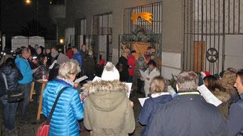 Die Punschhütte ist ein Treffpunkt für jung und alt an den vier Advent Samstagen (Abend), Sonntagen (nach der Messe) und am 24.Dezember (nach der Mette).
