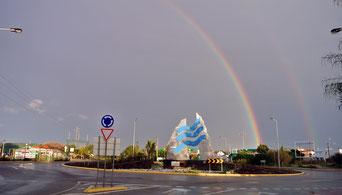 Leider gehört zum Regenbogen Regen