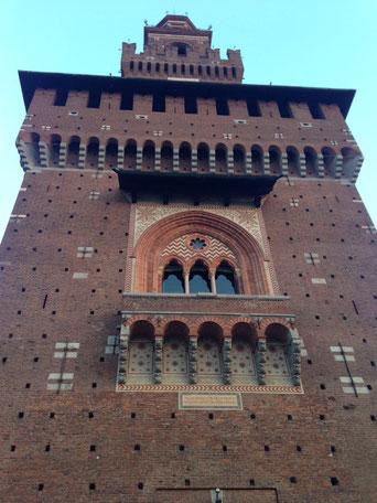 Il castello sforzesco di Milano / the castle in Milan