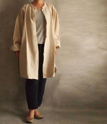 ヂェン先生の日常着 開襟シャツ長袖厚地 キナリ着用イメージ1