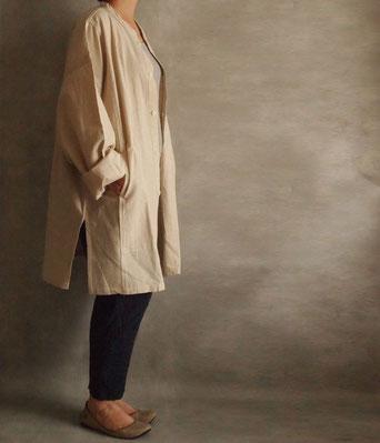 ヂェン先生の日常着 開襟シャツ長袖厚地 キナリ着用イメージ2