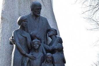 Korczak-Statue in Warschau
