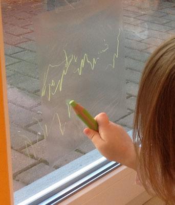Ideenbörse - Folie am Fenster bemalen