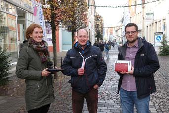 Wir freuen uns auf rege Teilnahme: v. l. n. r. Pascale Kaell (Altstadtkoordinatorin Stadt Warendorf), Oliver Prinz (Geschäftsführer Verein für Freizeitservice und Jugendarbeit e.V.), Sebastian Höber (Quartiersbüro Altstadt Warendorf)