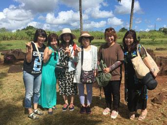 ハワイ オアフ島の貸切観光にてワヒアワのクカニロコバースストーン観光 日本人ガイド付きで6名様で観光