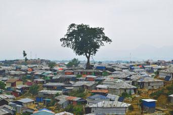 アウンティンさんの姉が暮らしているクトゥパロン難民キャンプ