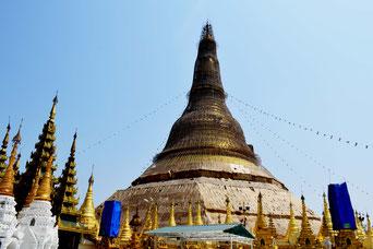 ミャンマー最大の都市・ヤンゴンにあるシュエダゴンパゴダ 仏教徒の聖地である