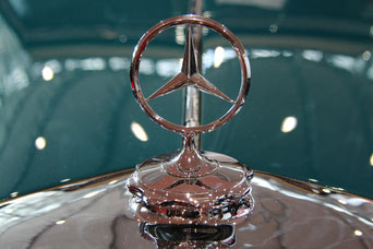 "Mercedes-Stern Bild von <a href=""https://pixabay.com/de/users/hafu1961-14233814/?utm_source=link-attribution&amp;utm_medium=referral&amp;utm_campaign=image&amp;utm_content=4650558"">Hartmut Fuchs</a> auf <a href=""https://pixabay.com/de/?utm_source=link-att"