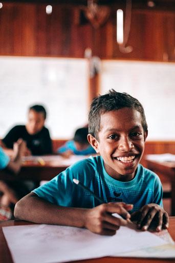 Tera (12) freut sich jeden Tag aufs neue, Lernen zu dürfen