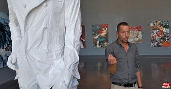 Éric Citerne commente le sens de ses œuvres.
