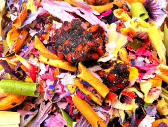 Teemischung mit getrockneten schwarzen Maulbeeren
