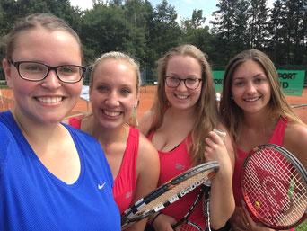 Große Freude bei den Damen 3 des TSV Offingen über den ersten Saisonsieg gegen den TC Neusäß