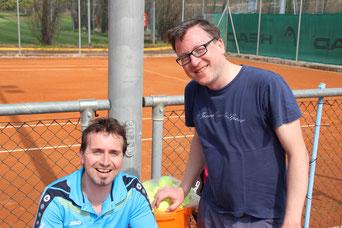 Nicht viel zu holen war für die Herren 30 bei TSV Pfuhl. Herbert Schieferle (links) gelang zumindest der Ehrenpunkt.