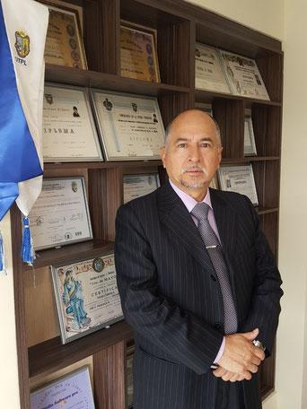Busco un abogado para atender caso de coactiva en santo domingo  de los tsáchilas