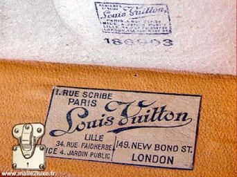 Etiquette malle et Valise Louis Vuitton :   1, rue Scribe Paris Louis Vuitton Lille 34, rue Faidherbe Nice 4, Jardin public 149 new bond st London