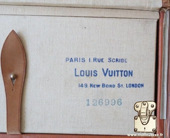Marquage Louis Vuitton :   1 rue Scribe Paris  Louis Vuitton  149, New bond St. London