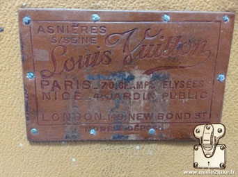 Etiquette Lozine wardrobe malle Louis Vuitton :   Asnières sur seine Louis VUITTON Paris - 70 champs élysées Nice - 4 jardin public London -149 new bond st Modele déposé