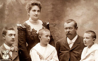 1898 - Georges and Josephine Vuitton, with their son Gaston and the twins Jean and Pierre
