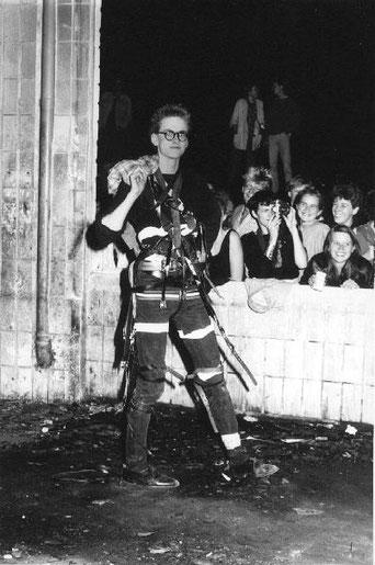 Adam Riese bei der Kunstauktion 'Gürtelschau' 1985