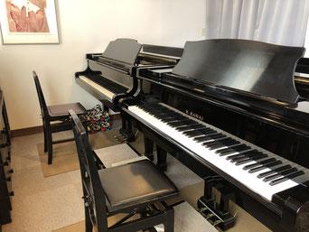二台のグランドピアノ
