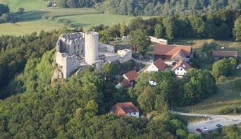 Benedikt Schnuchel, Anflug auf die Burgruine Wolfstein