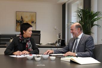 Landrat Willibald Gailler tauschte sich mit BAMF-Präsidentin Jutta Cordt über aktuelle Themen aus