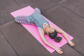 Yoga Pants, Shirts, Mala Ketten, Yoga-Mode ist ein Mega Trend