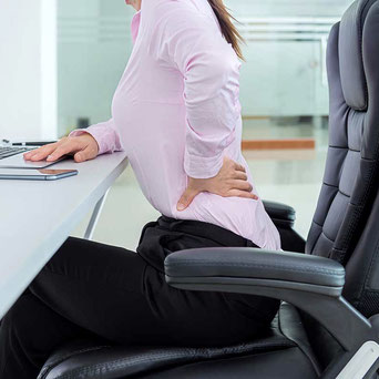 An ever increasing number of people in Singapore are starting to experience back pain so we thought it would useful to understand what the top hidden causes of back pain are.