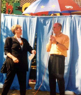 Bild: Foto: Schirmfrau Europafest Mittelfranken SPD