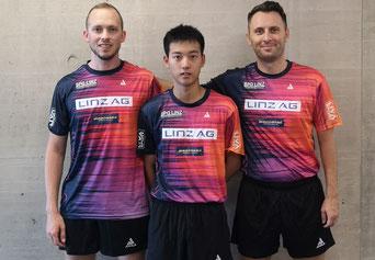 Neue Dressen für das SPG LINZ Team - Thomas Grininger, Liu Zhenlong, Lubomir Pistej