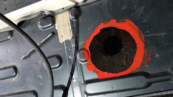 Das Loch für die Bodendurchführung