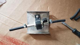 Pumpe auf Montageblech