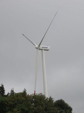 Eine von 16 Windtutbinen